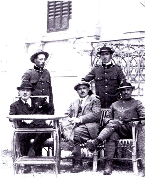 Da sinistra a destra in basso: Erminio Sipari, Nicola Tarolla e Pietro Neri